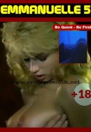 Emmanuelle 5 – Sarışın Güzel Islak ve Çıplak